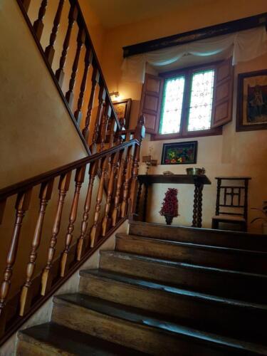 Escalera principal común a ambas viviendas (1)