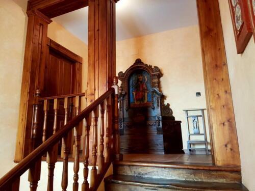 Escalera principal común a ambas viviendas (2)